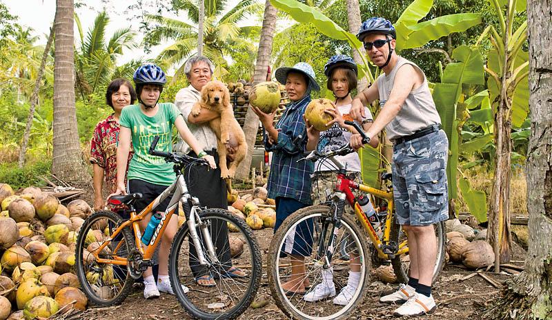 運動旅遊在村落裡騎單車