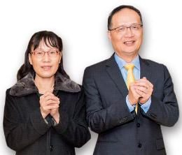 董事長葉友芳(左)、總經理鄭穆誠